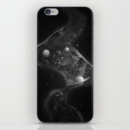 Starry kisses B&W. iPhone Skin