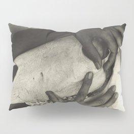 Georgia O'Keeffe - Hands and Horse Skull 1931 Alfred Stieglitz Pillow Sham