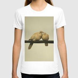 loving doves T-shirt