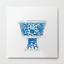 A FINE BLUE AND WHITE STEM CUP QIANLONG SIX-CHARACTER SEAL MARK IN UNDERGLAZE BLUE IN A LINE AND OF Metal Print