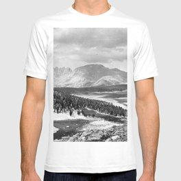 The Sierra Nevada: John Muir Wilderness, Sequoia National Park - California T-shirt