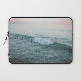 lets surf v Laptop Sleeve