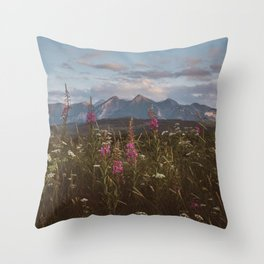 Mountain vibes - Landscape and Nature Photography Throw Pillow