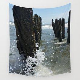 Ocean waves crash Wall Tapestry