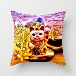 Glückskatze Throw Pillow