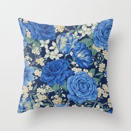 British chintz floral pattern Throw Pillow