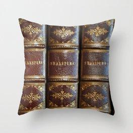 Shakespeare books Throw Pillow