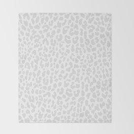 Pale Gray Leopard Decke