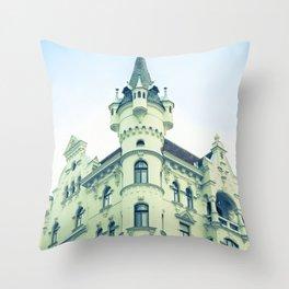 Like a castle Throw Pillow
