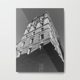 Edinburgh Old Town Building (Black and White) - Architectural Photography Metal Print