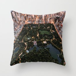 Central Park, New York - Twilight Throw Pillow