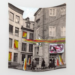Crossing paths. Wall Tapestry