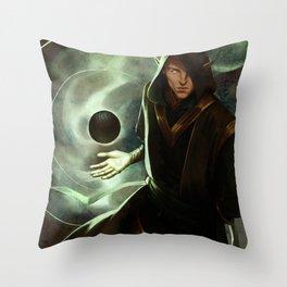 Foci Throw Pillow