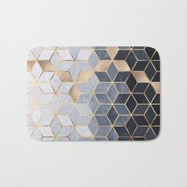 Soft Blue Gradient Cubes Badematte