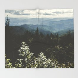 Smoky Mountains - Nature Photography Throw Blanket