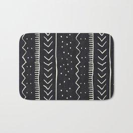 Moroccan Stripe in Black and White Badematte