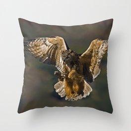 Real owl Throw Pillow