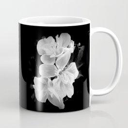 geranium in bw Kaffeebecher
