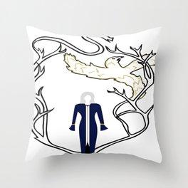 Alina - The Grisha Trilogy Throw Pillow