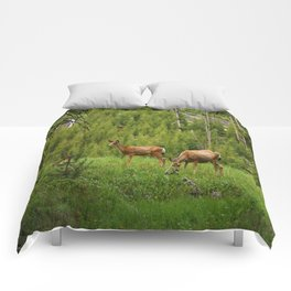 Wapiti In Yellowstone N P Comforters