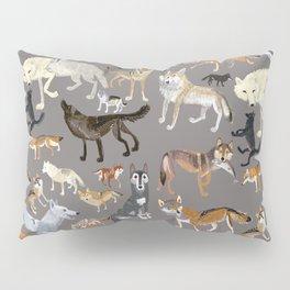 Wolves of the world 1 Pillow Sham