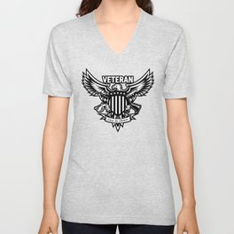 Veteran - Live to Serve Eagle with Stars and Stripes Shield Crossed Rifle and Sword Unisex V-Neck