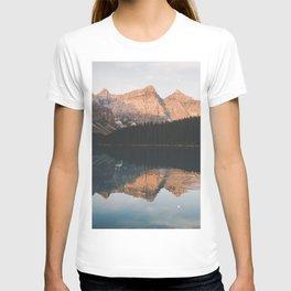 peaceful Moraine lake T-shirt