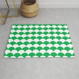 Green Fan Shell Pattern Rug
